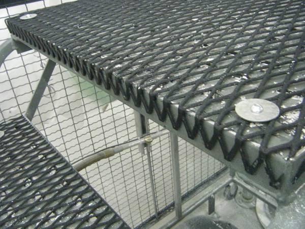 Anti Slip Expanded Metal Walkway For Sidewalk Ladders And